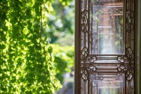 Die Türen des Teehauses