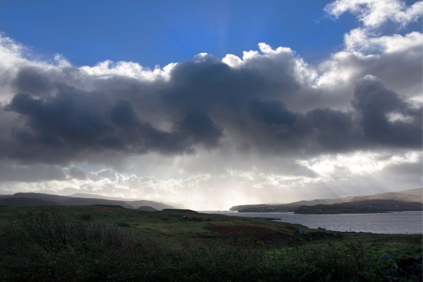 Isle of Skye Loch Harport Morgen, Wolken, Schottland