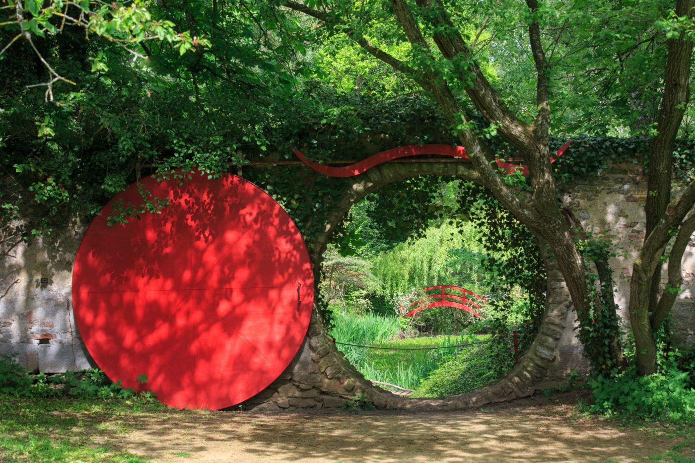 Schlosspark Dennenlohe - Das rote Tor in Dennenlohe