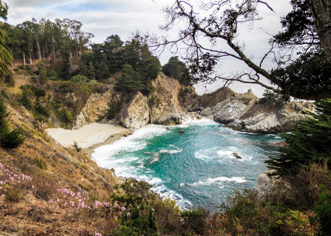 Julia Pfeiffer Burns State Park: McWay Waterfall