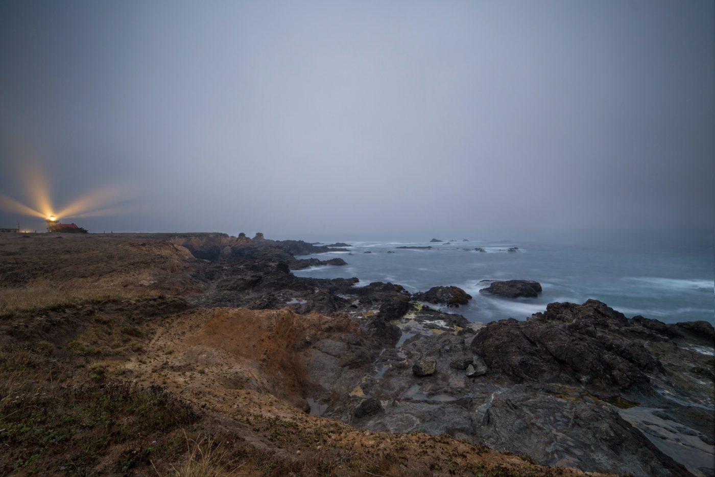 Der Leuchtturm von Point Cabrillo bei Dämmerung Pazifik Meer