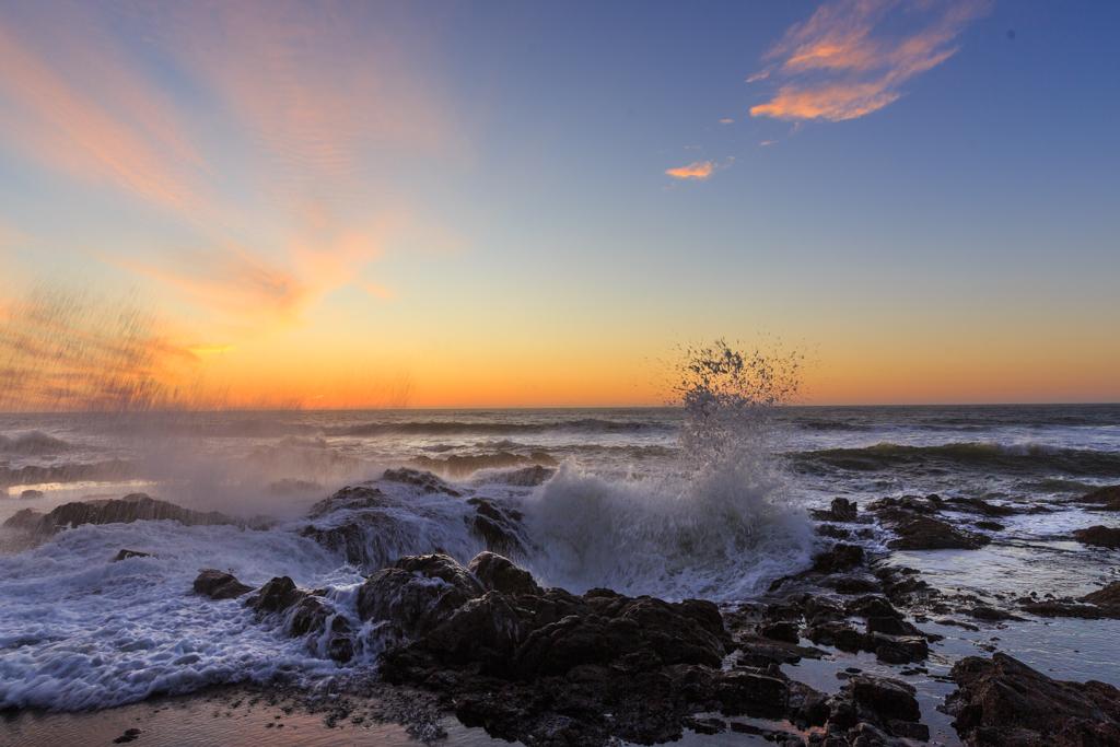 Photo: USA, Pazifik, Oregon, Küste, Cape Perpetua -  Wasserspeier und Meerfontänen: Cape Perpetua - Wasserspeier und Meerfontänen: Cape Perpetua - Wasserspeier und Meerfontänen: Cape Perpetua