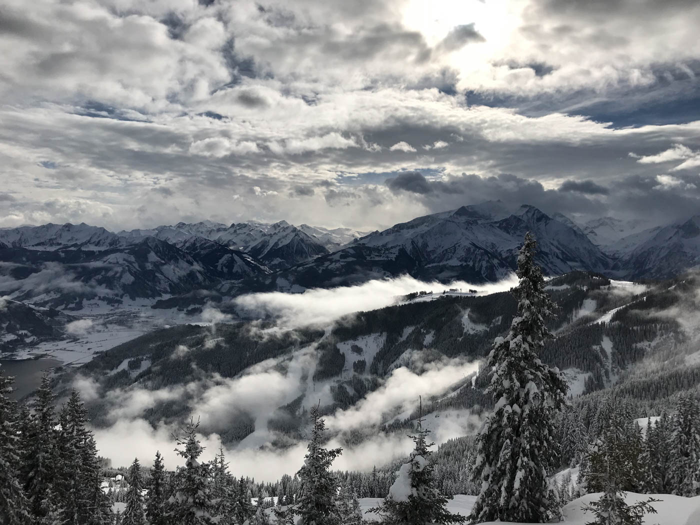 Nach dem Schneesturm: Blick zur Schmittenhöhe, Österreich, Alpen, Zell am See
