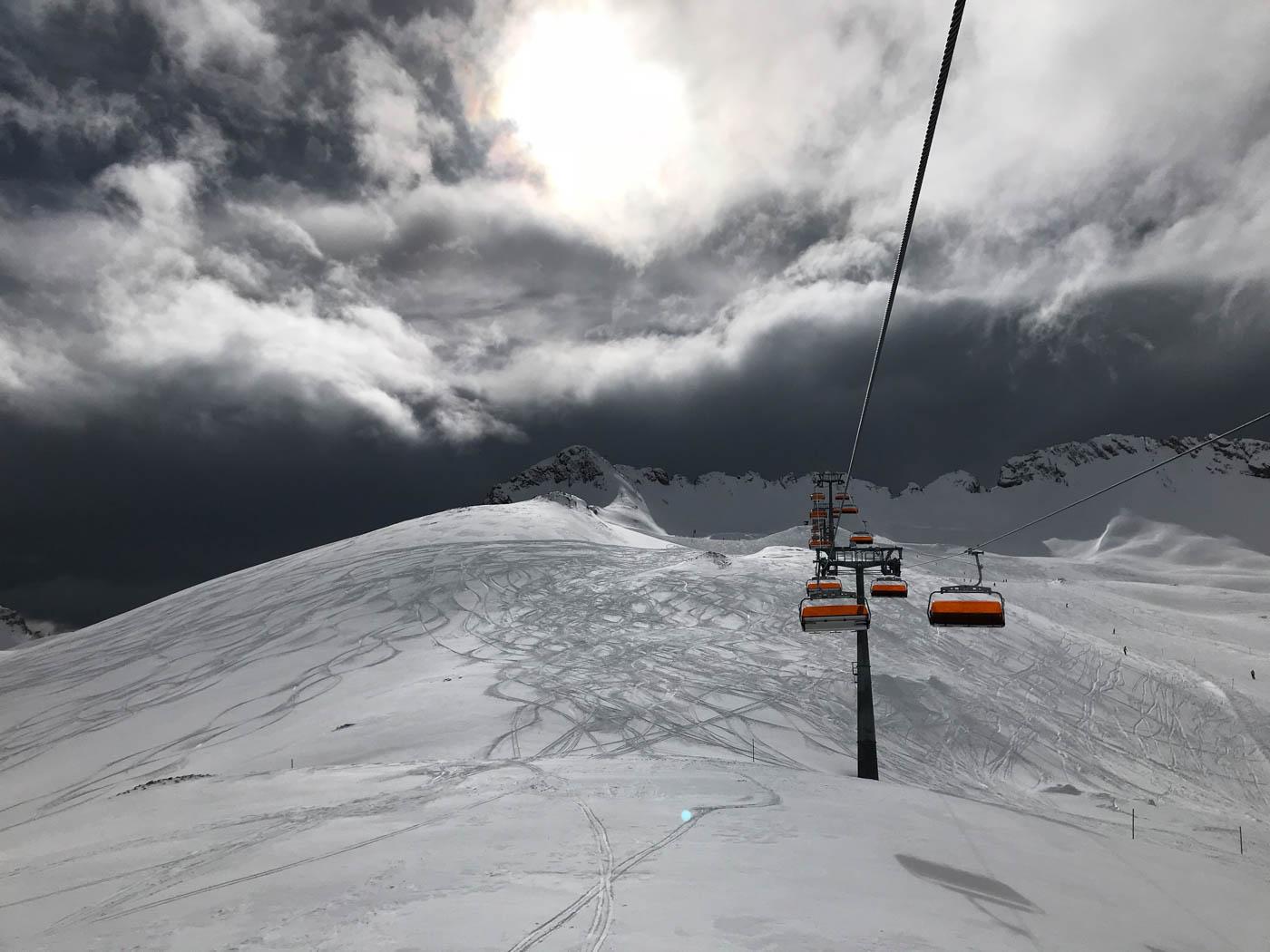 An der Zugspitze, Skifahren, Alpen, Föhn