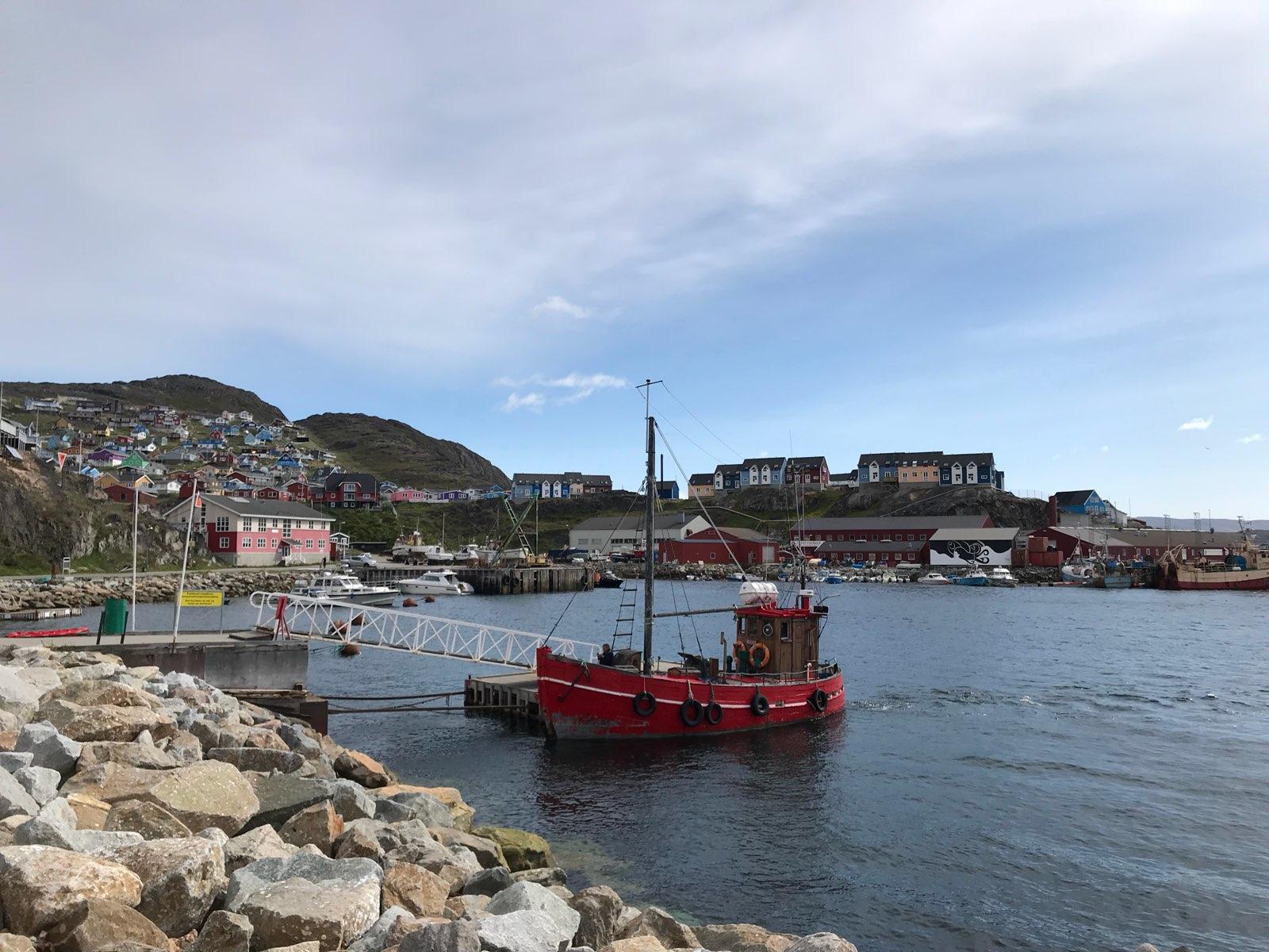 Photo: Unsere Puttut im Hafen von Qaqortoq