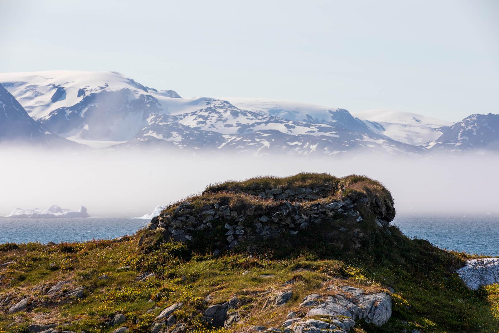 Ostgrönland, Eisberg, Sermilik Fjord, Erdhaus